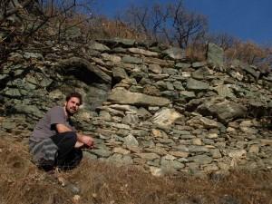 Ru Pan Perdu di Châtillon: muro di sostegno - Foto di Gian Mario Navillod.