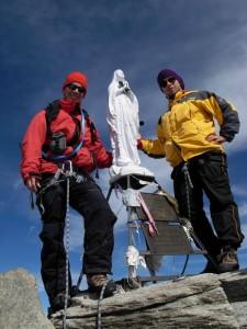 Gian Mario ed Eric Navillod sulla vetta del Gran Paradiso.