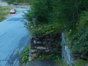 Parcheggio e inizio sentiero per il Bec Pio Merlo - Foto di Gian Mario Navillod.