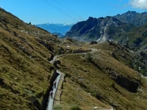 Il Tracciolino: vecchia ferrovia a scartamento ridotto di collegamento tra la centrale idroelettrica di Perrères e la Diga del Goyet - Foto di Gian Mario Navillod.