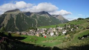 Villaggio di Gimillan a Cogne e partenza del sentiero per il Bivacco Glarey Muggia - Foto di Gian Mario Navillod.
