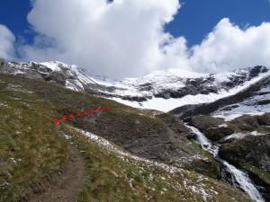 L'unico tratto esposto del sentiero 8G per il Bivacco Glarey Muggia - Foto di Gian Mario Navillod.