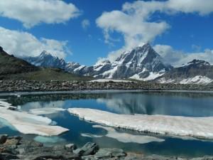 Monte Cervino e bacino per l'innevamento artificiale al Colle Nord delle Cime Bianche – Foto di Gian Mario Navillod.