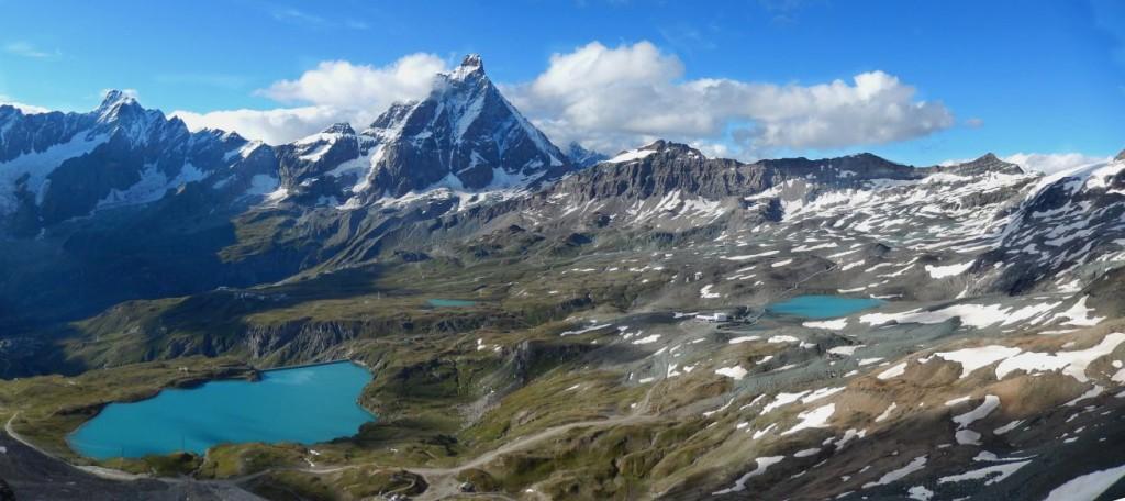 Cervino e diga del Goyet dalla cima della Gran Sometta – Foto di Gian Mario Navillod.