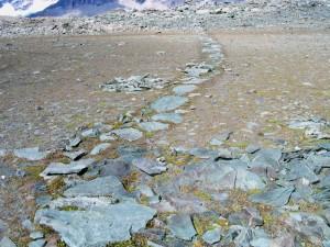 Selciato della strada dei mercanti al Colle Nord delle Cime Bianche nel 2006 – Foto di Gian Mario Navillod.