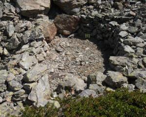 Capanna n. 21 del villaggio dei Salassi del Monte Tantané – Foto di Gian Mario Navillod.