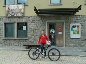 Consegna dalla muntain bike elettrica alla Fondation Grand Paradis - Cogne - Foto di Gian Mario Navillod.