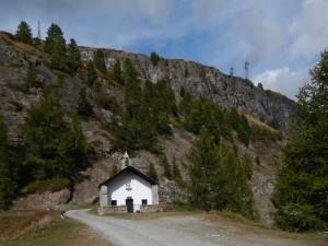 Cappella degli alpini al Crêt (dedicata alla Madonna delle Nevi) - Foto di Gian Mario Navillod.