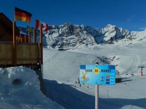 Partenza del Tour di Mande dal Willy Bar di Valtournenche - Foto di Gian Mario Navillod.