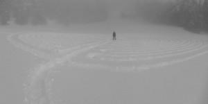Il Grande Labirinto di Lavesé nella nebbia - Foto di Gian Mario Navillod.