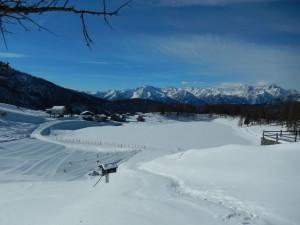 Il lago di Lod di Chamois coperto di neve - Foto di Gian Mario Navillod.