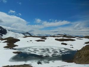 Disgelo al Lago Falinère di Chamois - Foto di Gian Mario Navillod.