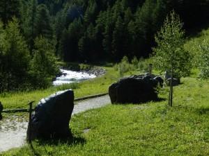 Torrente Urtier a valle delle cascate di Lillaz e parco geologico - Foto di Gian Mario Navillod.