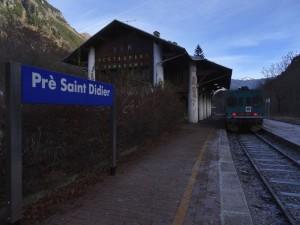 Stazione di Pré-Saint-Didier il 22 dicembre 2015 - Foto di Gian Mario Navillod.