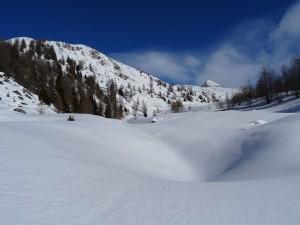 La punta Falinère salendo al Col Cheneil da Chamois - Foto di Gian Mario Navillod.