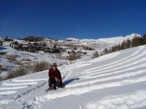 Chamois vista dal Grande Labirinto tracciato sulla neve l'8 marzo 2016 da Eric e Gian Mario Navillod.