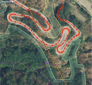 Esempio di foto aerea georeferenziata: la strada di accesso al forte di Bard secondo il PCN2006.