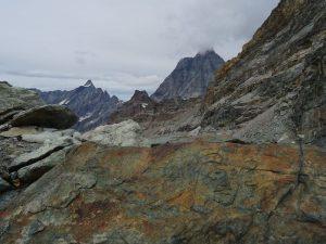 Incisione rupestre sulla cresta est del Corno del Teodulo - Foto di Gian Mario Navillod.