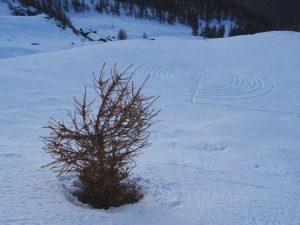 Il labirinto di Natale di Chamois e l'Alpe Cort - Foto di Gian Mario Navillod.