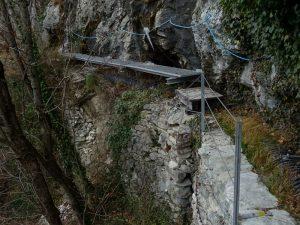 Passerelle metalliche del Ru Marseiller - Foto di Gian Mario Navillod.