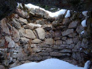 Interno della fornace di calce di Pont du Molin - Comune di Nus - Foto di Gian Mario Navillod.