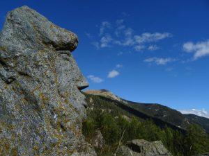 Scultura in pietra all'Alpe Servaz di Champdepraz - Foto di Gian Mario Navillod.