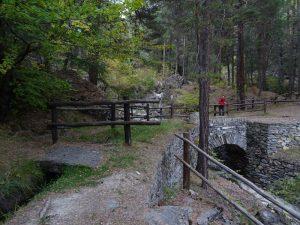 Il ponte canale in pietra del Ruet di Sarre - Foto di Gian Mario Navillod.