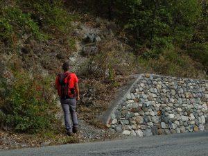 Inizio del sentiero per il Ru du Pan Perdu di Châtillon - Foto di Gian Mario Navillod.