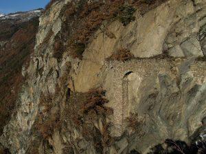 Archi del Ru du Pan Perdu di Châtillon sopra Isseuries–Isserie - Foto di Gian Mario Navillod.