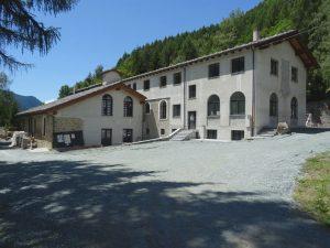 Ex complesso minerario de La Torretta lungo il Ru Herbal - Foto di Gian Mario Navillod.