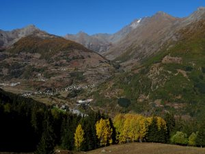 Il vallone del Menouve visto dal Ru de Vaud - Foto di Gian Mario Navillod.
