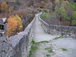 Ponte acquedotto di Pont d'Aël/Pondel - foto di Gian Mario Navillod.