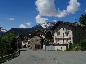 Villaggio e cappella di Charbonnière - foto di Gian Mario Navillod.