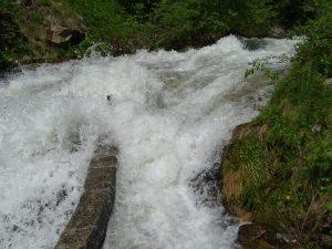 Presa del Ru de Charbonnière sul torrente di Vertosan - foto di Gian Mario Navillod.
