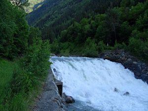Presa del Ru d'Arberioz sul torrente Grand Eyvia - foto di Gian Mario Navillod.