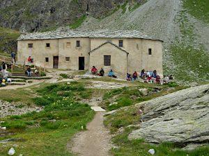 Il santuario di Cunéy - foto di Gian Mario Navillod.