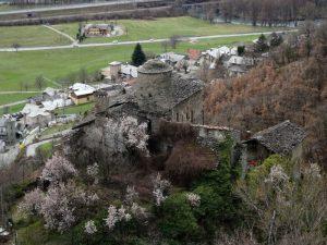 Castello di Nus visto dal Ru du Château - foto di Gian Mario Navillod.