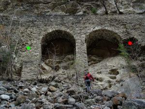 Archi di sostegno del Gran Ru o Ru Neuf di Aymavilles - foto di Gian Mario Navillod.