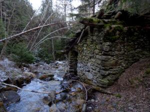 Secondo mulino lungo il Ru des Moulins di Promiod - Foto di Gian Mario Navillod.