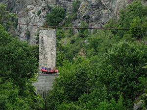 Pila del Ru de Montarverin e gommone da rafting - foto di Gian Mario Navillod.