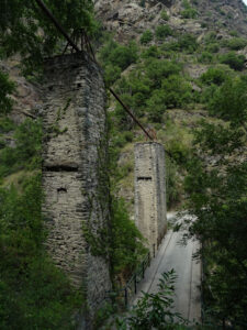 Pile del Ru de Montarverin viste da sud - foto di Gian Mario Navillod.