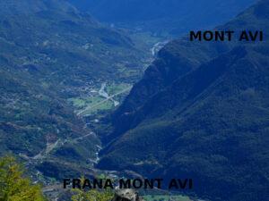 Salendo allo Zerbion da Promiod: la paleofrana del Mont Avi - foto di Gian Mario Navillod.
